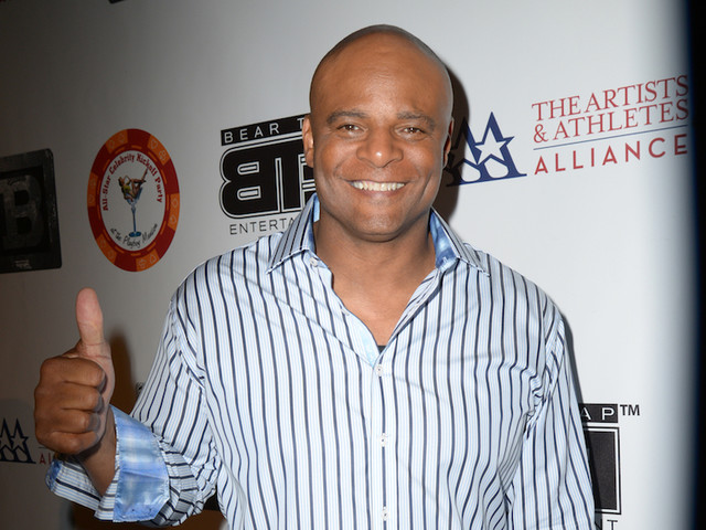 The Purge: NFL Hall-Of-Famer Warren Moon Accused Of Trump-Style Crotch-Grabbing By Ex-Employee