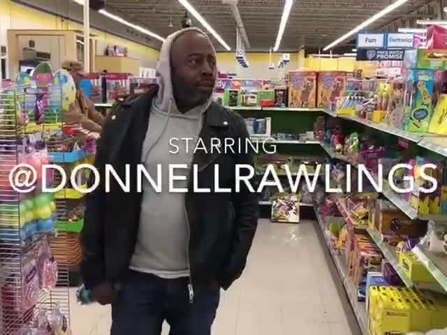 "Pure Comedy: Donnell Rawlings' Emotional Ode To Toys ""R"" Us Closing Down! [Video]"