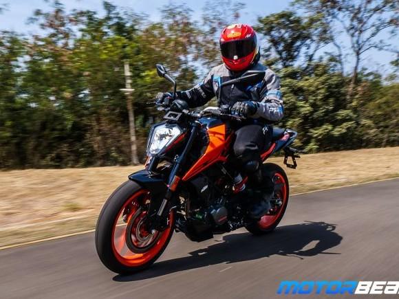 2020 KTM Duke 200 Video Review