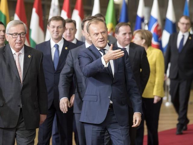 EU-landen stemmen unaniem in met eerste fase van Brexit