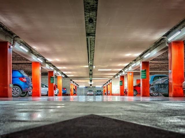 Parkeergarage Rabobank in Roelofarendsveen dicht uit veiligheidsoverwegingen