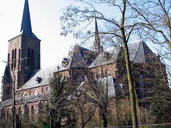 'Ombouwen van kerk tot school in Deventer terecht stilgelegd'