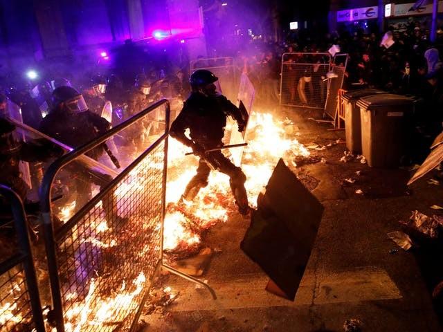 Onrust in Catalonië houdt aan, Spanje ziet 'gecoördineerd geweld'