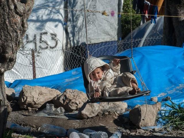 De evacuatie van kindvluchtelingen uit Griekse kampen begint, maar ze komen niet naar Nederland