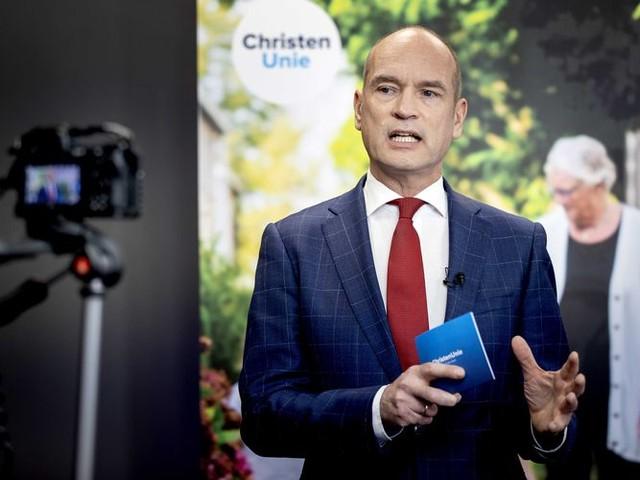 Segers slikt scherpe oordeel over Rutte in, waarmee de deur weer op een kiertje staat naar de VVD