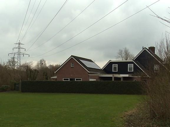 Gaan de hoogspanningsleidingen in Almelo, Enschede, Deventer en Raalte eindelijk de grond in?