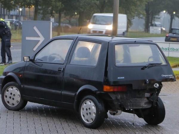 Auto's botsen in Goor, bestuurders met de schrik vrij