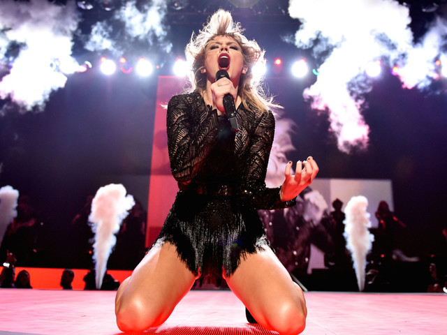 Taylor Swift's Tapioca-Splattered New Album Sparked Hilariously Petty Hysteria