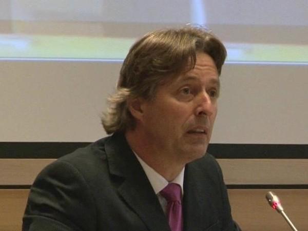 PVV'er Edgar Mulder wilde twintig uur praten, maar wordt na twee uur gestopt: debat voorbij