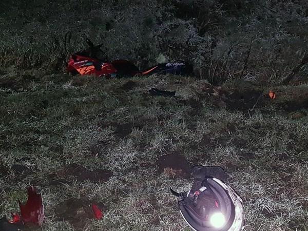 Motorrijder naar ziekenhuis na val op Stobbeplasweg bij Slagharen