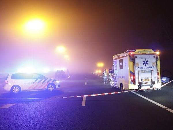 A28 bij Zwolle richting Amersfoort dicht na ongeval met vier voertuigen