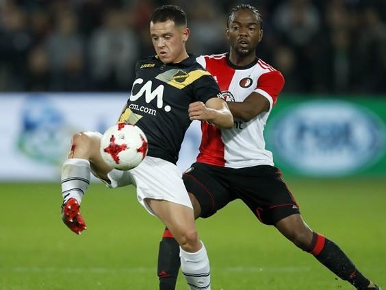 NAC stunt in Rotterdamse Kuip en wint met 2-0 van Feyenoord