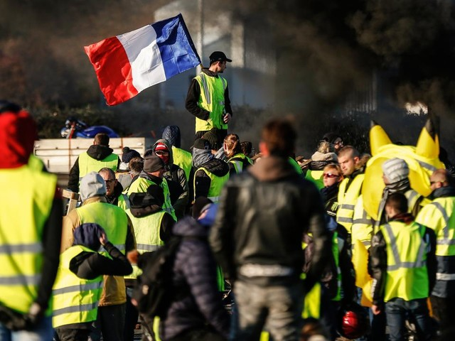 'Franse veiligheidsdienst onderzoekt of nepaccounts 'Gele Hesjes' aanwakkeren'