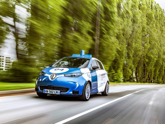 Groupe Renault starts public trial of its on-demand car service using autonomous, electric and shared ZOE Cab