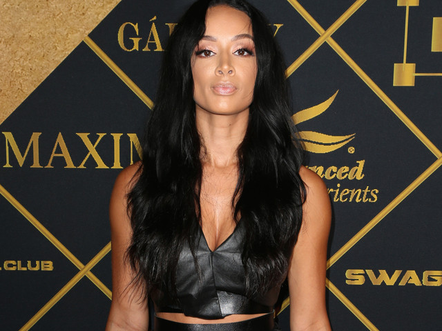 Tomatoes In Greens??? Draya's Latest Thanksgiving Struggle Meal Got DRAGGED To Dumpster Fiery Hell