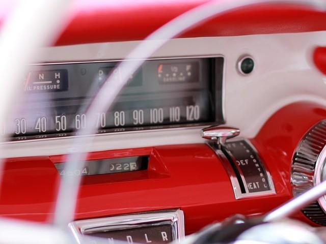 GfK: In 2020 laat 25% van de autorijders zich volgen in ruil voor beloning