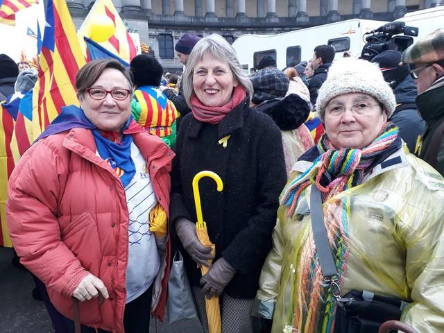 Vlaanderen loopt uit voor Catalonië: massale steunbetoging in Brussel