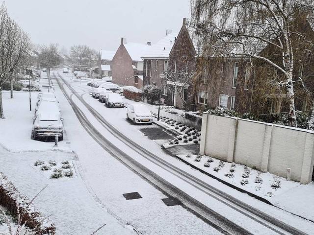 Vorige week een warmterecord, nu een laag sneeuw: zo komt dat