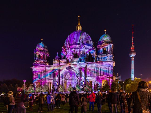 Fotoserie: Lichtprojecties in Berlijn 2017