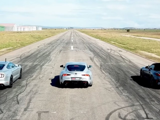 DRAG RACE: BMW Z4 M40i vs Toyota GR Supra vs Ford Mustang GT