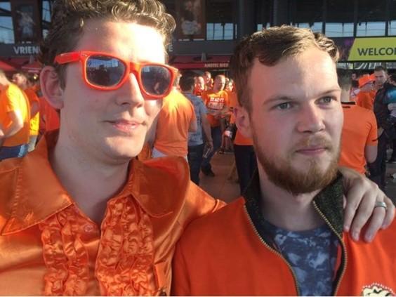 Brabantse supporters juichen in Ahoy massaal voor Van Gerwen: 'Als fan moet je hierbij zijn'