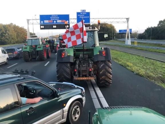 Ruim 350 kilometer file door protesterende boeren, verkeer rondom Utrecht muurvast