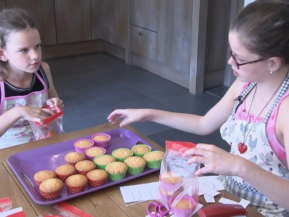 Eva (10) en Manouk (9) uit Beek en Donk strijden met cupcakes tegen bijzondere hartspierziekte