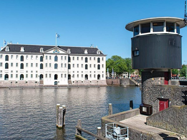Klaar voor een bijzonder verblijf: brugwachtershuisje nr 18 in Amsterdam