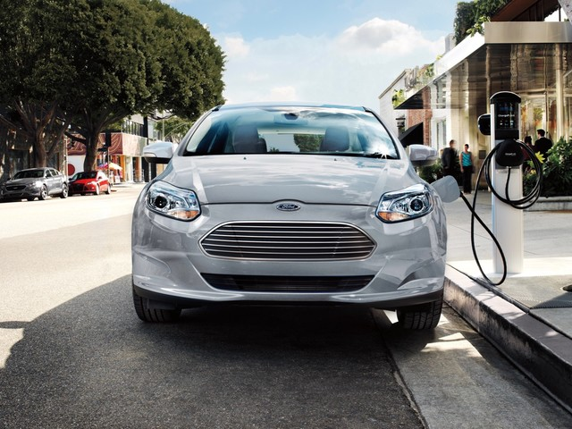 Ford confirms 40 plug-in hybrid and electric vehicles by 2022