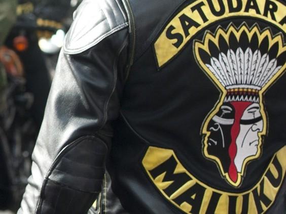 Politie valt twee huizen van Tilburgse Satudarah-leden binnen, reden nog onbekend