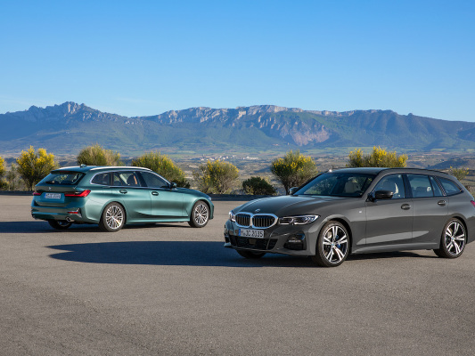 New BMW 3 Series Touring to offer PHEV version; XtraBoost mode