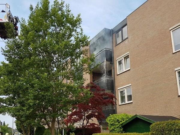 Brandweer rukt uit voor brand in flat in Hengelo