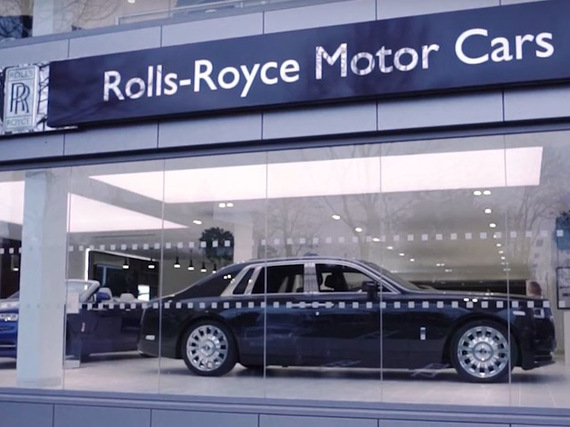 Video: Rolls-Royce Opens Newest Dealership in the Heart of Manchester