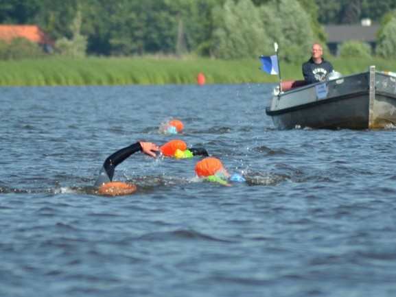 Primeur Overijsselse Merentocht: dag en nacht zwemmen voor het goede doel