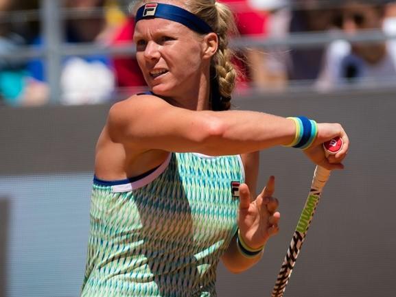'Ik was eigenlijk te ziek om de baan op te gaan', zegt Kiki Bertens na opgave Roland Garros