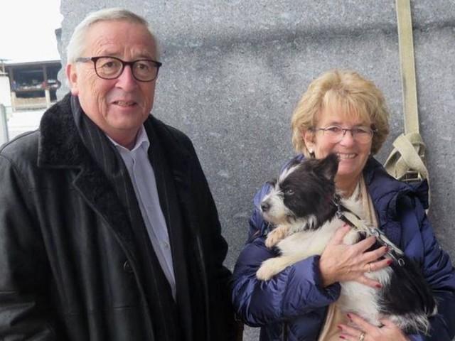 Juncker reed honderden kilometers (van belastinggeld) voor zwerfhondje