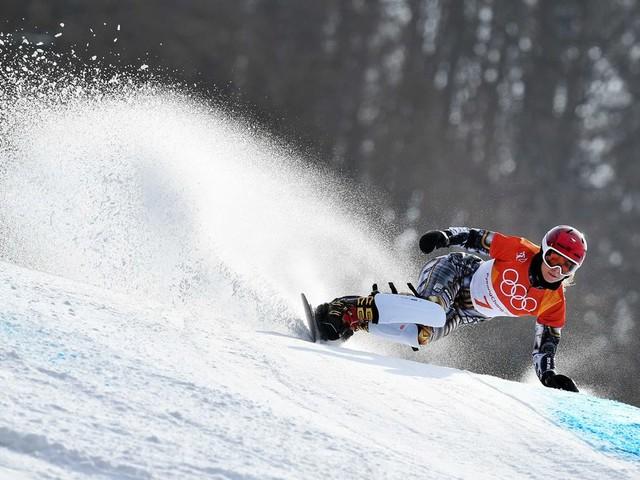 Goud op ski's én board, de Tsjechische Ester Ledecká bewijst dat het kan