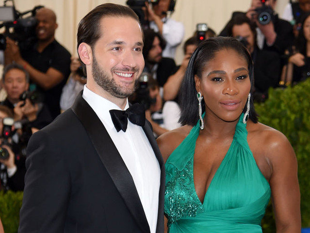 Preciousness: Serena William's Baby Daddy Holds Down Their Swirly Seed While She Works Out [Video]