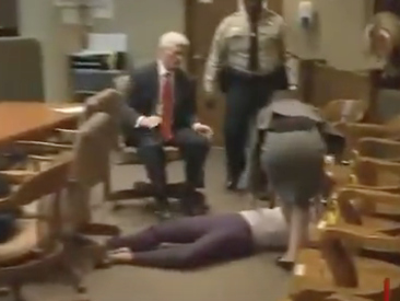 Pay The Piper: 19-Yr-Old Girl Faints After Being Convicted Of Triple Hair-Weave Murder [Video]