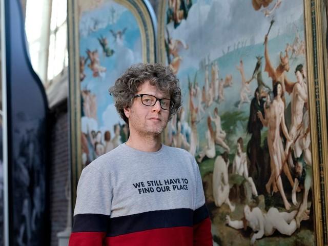 Jeroen Windmeijer is de Nederlandse Dan Brown: 'Eigenlijk zijn gelovigen de eerste complotdenkers'