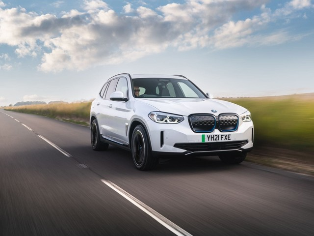 VIDEO: BMW iX3 vs Jaguar I-Pace — Can BMW Take Down the Jag?