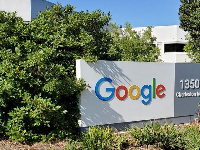 Google vraagt personeel niet te kletsen, maar te werken