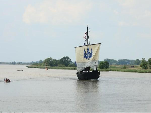 Zeilschip met motorpech: Kamper Kogge al na twee weken terug in thuishaven