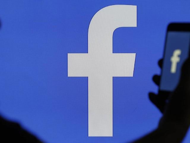 Luistert Facebook je af?