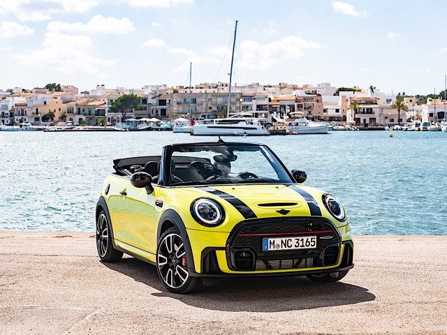 MINI to build electric convertible models by 2025