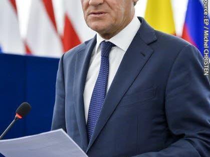 Tusk: Brexitakkoord 'razende race tegen de klok'