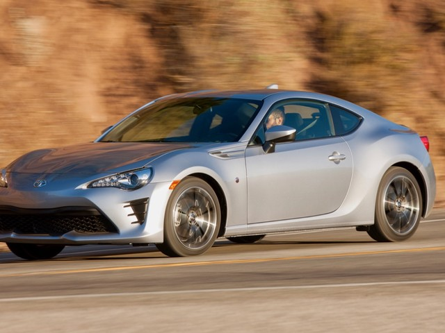 Second-generation Toyota 86 gets the green light