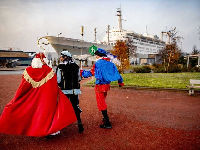 Sinterklaas uitzwaaien blijkt nuttig voor kinderen én ouders