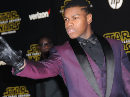 New 'Star Wars: The Rise Of Skywalker' Teaser Trailer Brings The Nostalgia & Sinister Cliffhangers