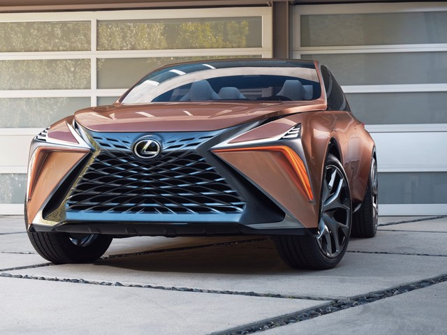 Lexus LM 350 and LM 300h names trademarked